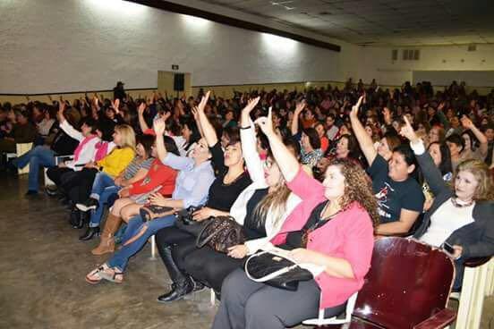 Conferencia «atrévete a brillar», en Caborca, Sonora